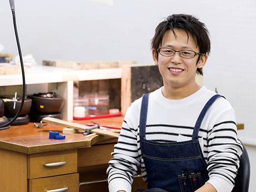 2013年卒業 板野竜也さん 愛媛県立松山中央高等学校出身(貴金属装身具製作技能士1級)
